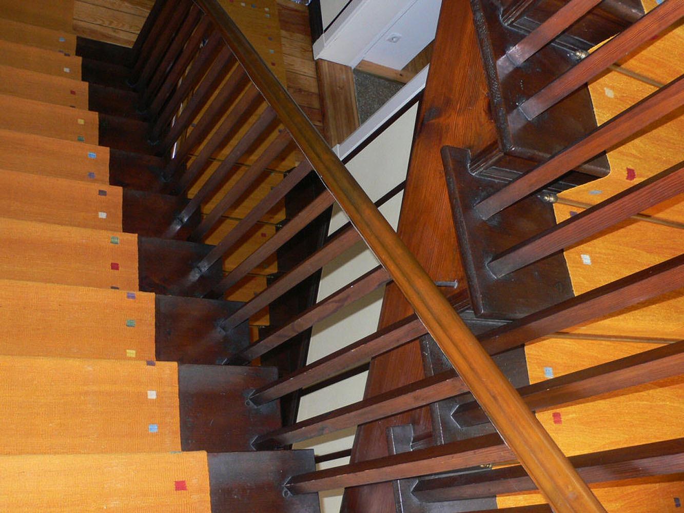 Treppe-Kelim-Gelb