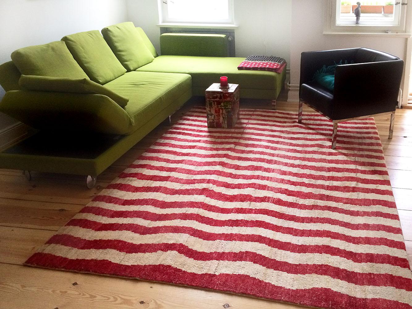 Teppich-rot-beige-Streifen-Zickzack-Wellen